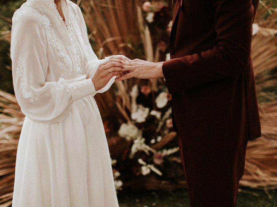 Création d'une robe de mariage sur mesure unique