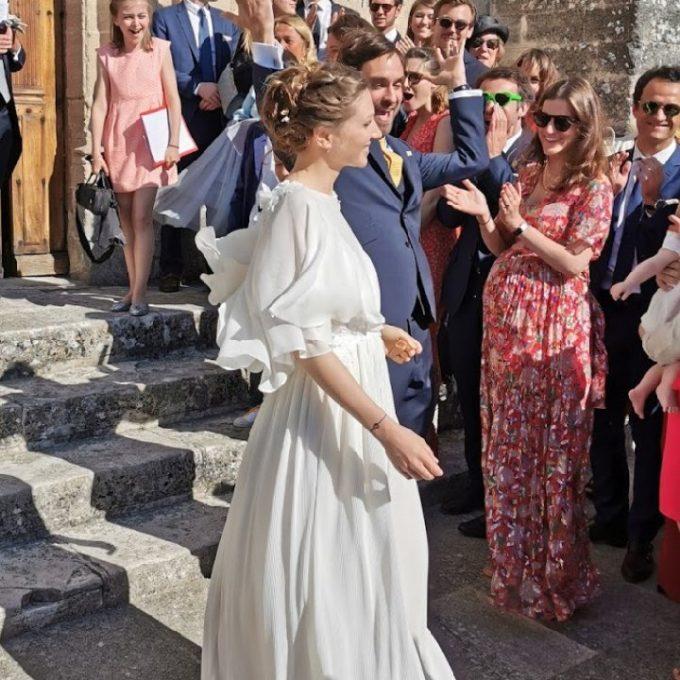Création d'une robe de mariage sur mesure (2019-philippine)