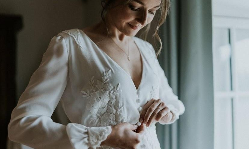 Robe-de-mariée-Constance-Fournier-Photographe-Marie-Hélène-MadameB- Mariée2021-Séverine